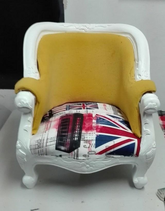 Renowacja fotela - renowacja tapicerki w starym fotelu