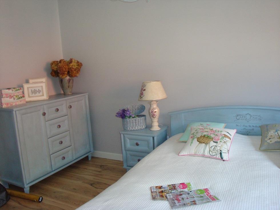 Malowanie mebli do sypialni w stylu prowansalskim