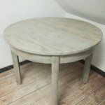 Malowanie starego okrągłego stołu - postarzanie