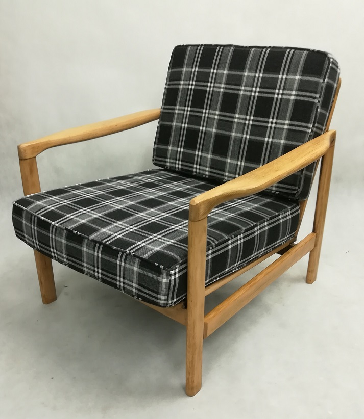 Kraciasta tapicerka fotela