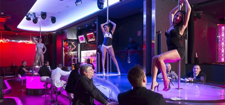 Tabledance in Hamburg  In A La Charm Club