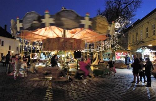 Budapest III Óbuda karácsonyi vásár körhinta