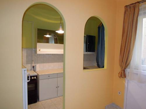 Eladó 2szobás 70 nm-es felújított lakás Budapest II.kerület Országút városrészében -http://alacsonyjutalek.hu/ - Megbízható, igényes, olcsó ingatlanközvetítő iroda. Az okos ingatlantulajdonosok partnere -