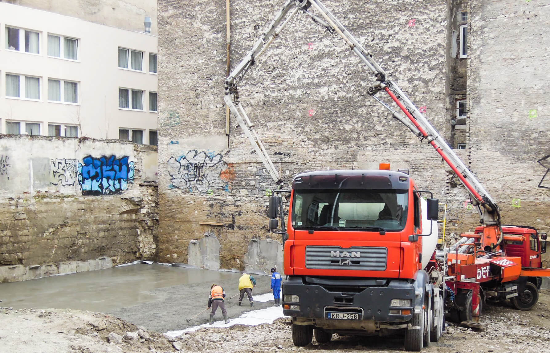 Elkezdődött az alapozás Budapest VIII. Palotanegyedben