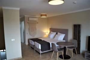 Eladó nagy súdió apartman-Portugália-Lagos-http://alacsonyjutalek.hu/ - Megbízható, megfizethető, minőségi ingatlanközvetítő iroda-tel: 36-30-9843-962