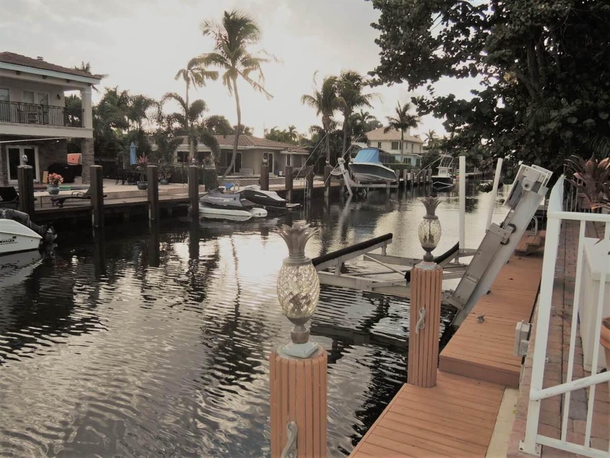 Eladó 5 hálós ház-Florida- Miami-http://alacsonyjutalek.hu/ - Megbízható, megfizethető, minőségi ingatlanközvetítő iroda-tel: 36-30-9843-962
