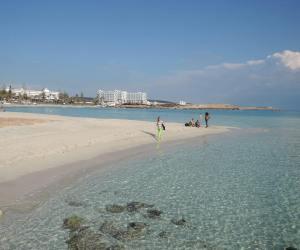 Ciprus a napfény, a tenger és a haszon szigete.