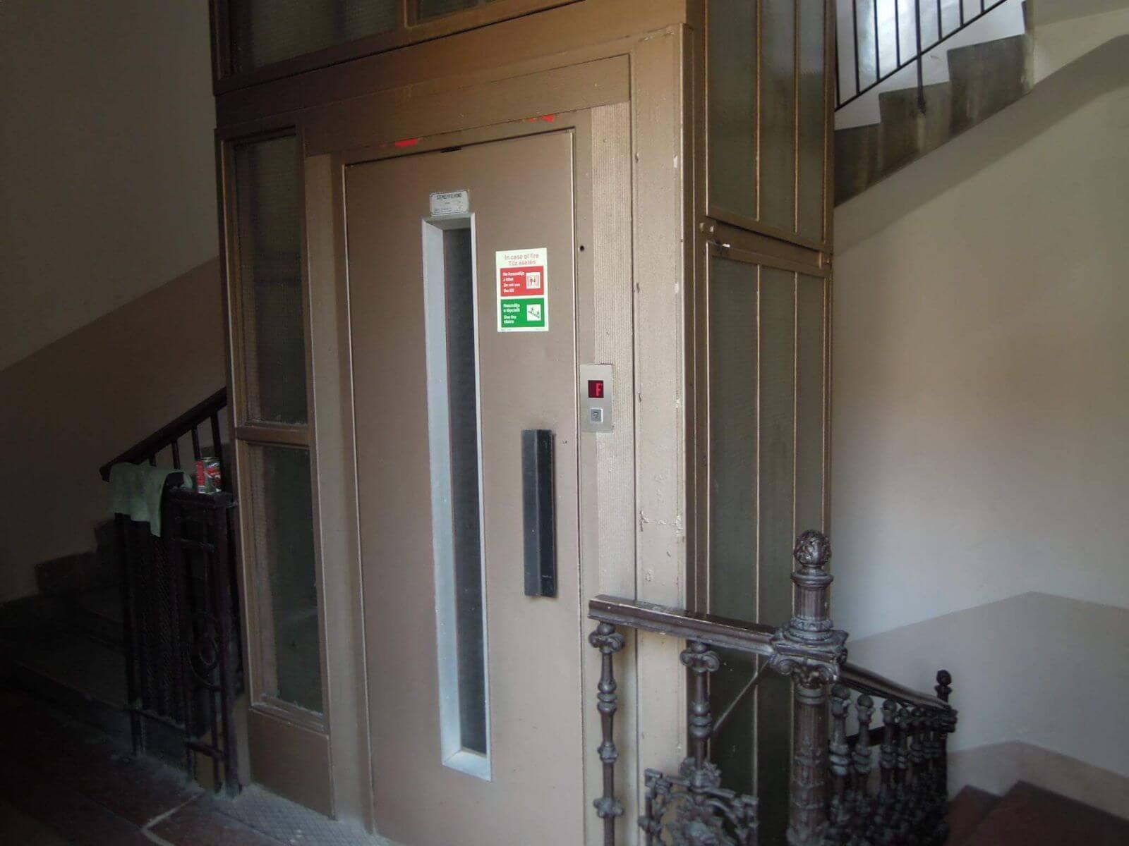 Eladó 3 szobás lakás- Budapest V-http://alacsonyjutalek.hu/ - Megbízható, megfizethető, minőségi ingatlanközvetítő iroda-tel: 36-30-9843-962