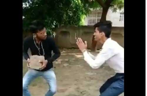 インド人が「すっごい面白いから!」と言って見せられた動画がヤバイwwwwww 動きといい音といいめちゃくちゃクセになる