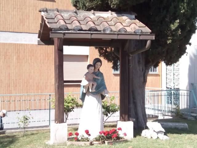 Jardín del Istituto suore delle poverelle. La Storta