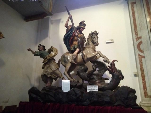 Un San Jorge de un pueblo intermedio