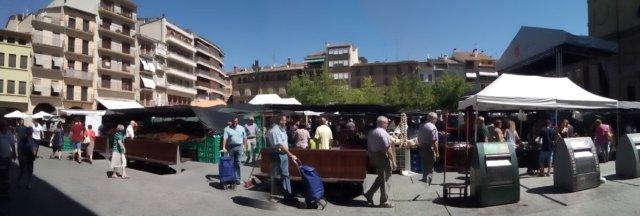 Estella, plaza con mercadillo