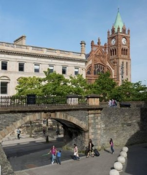 ALadyofLeisure.com and 48 hours in Derry