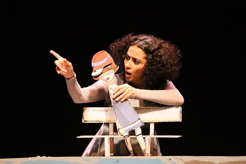 Los cuervos no se peinan beneficiada / Teatro Jaime Torres Bodet