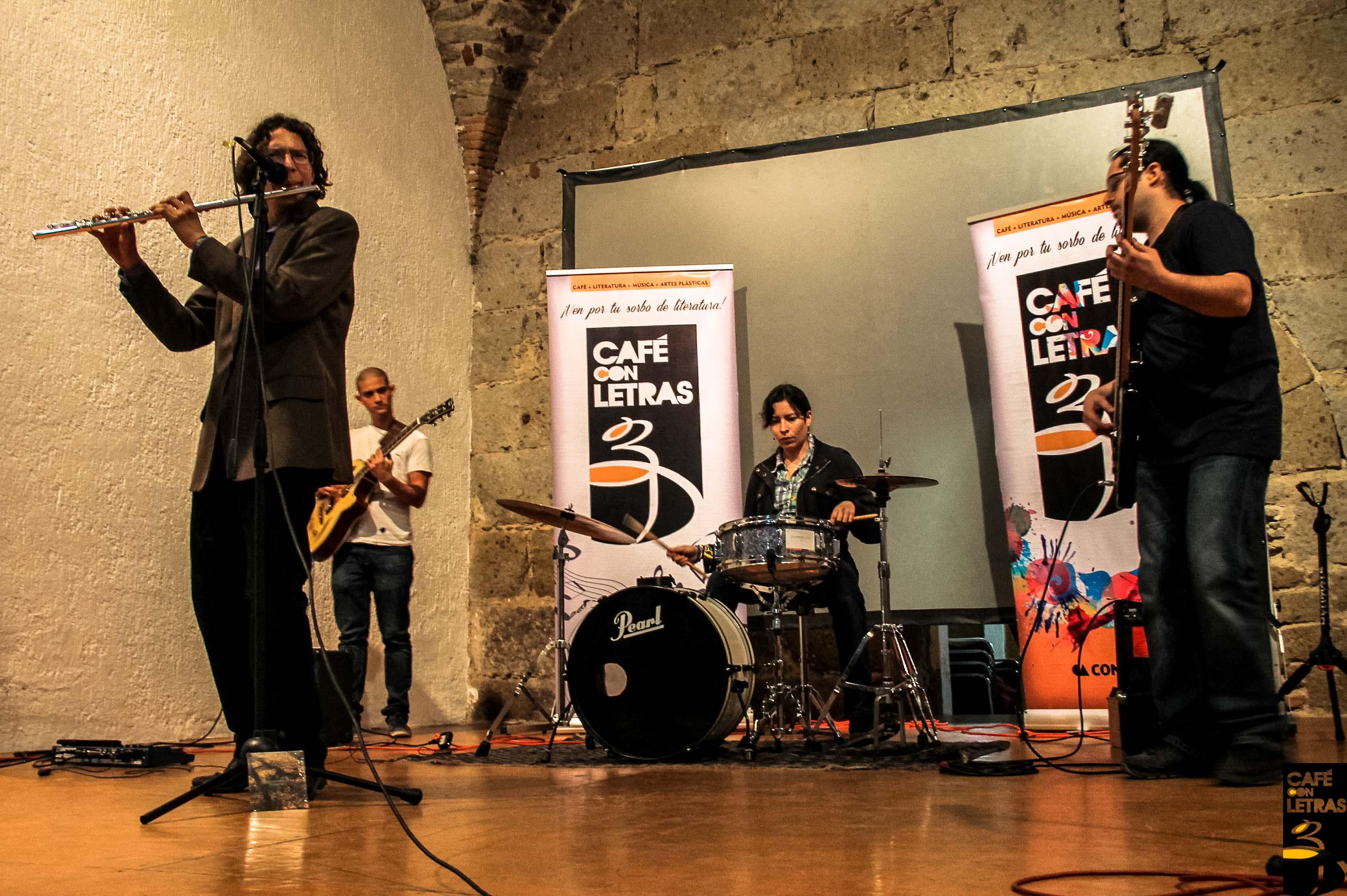 Literatura, música y pintura se unen en Café con Letras