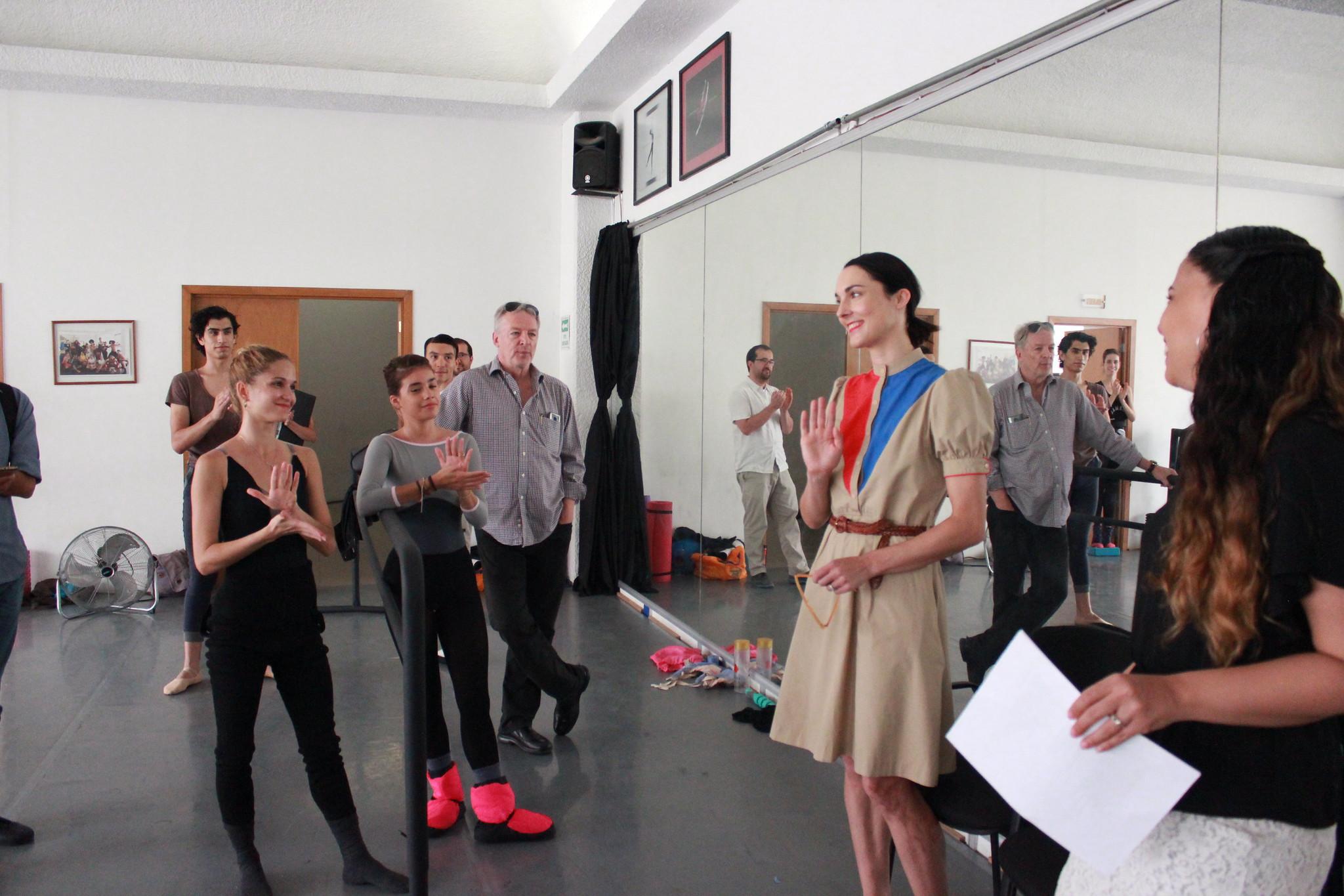 La bailarina Drew Jacoby ofrece curso intensivo al Ballet de Jalisco