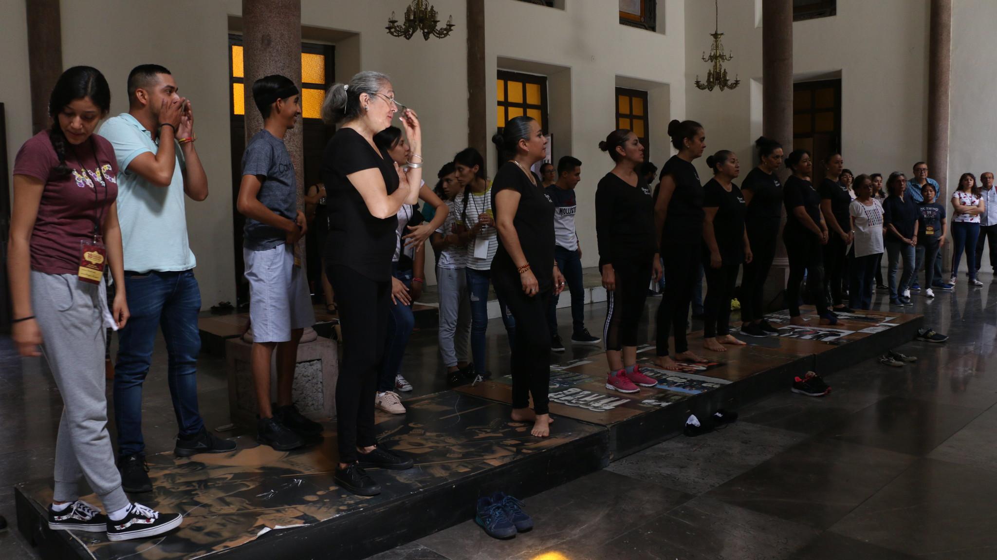 Enseñan técnica del baile de tarima en el Encuentro Nacional de Mariachi Tradicional