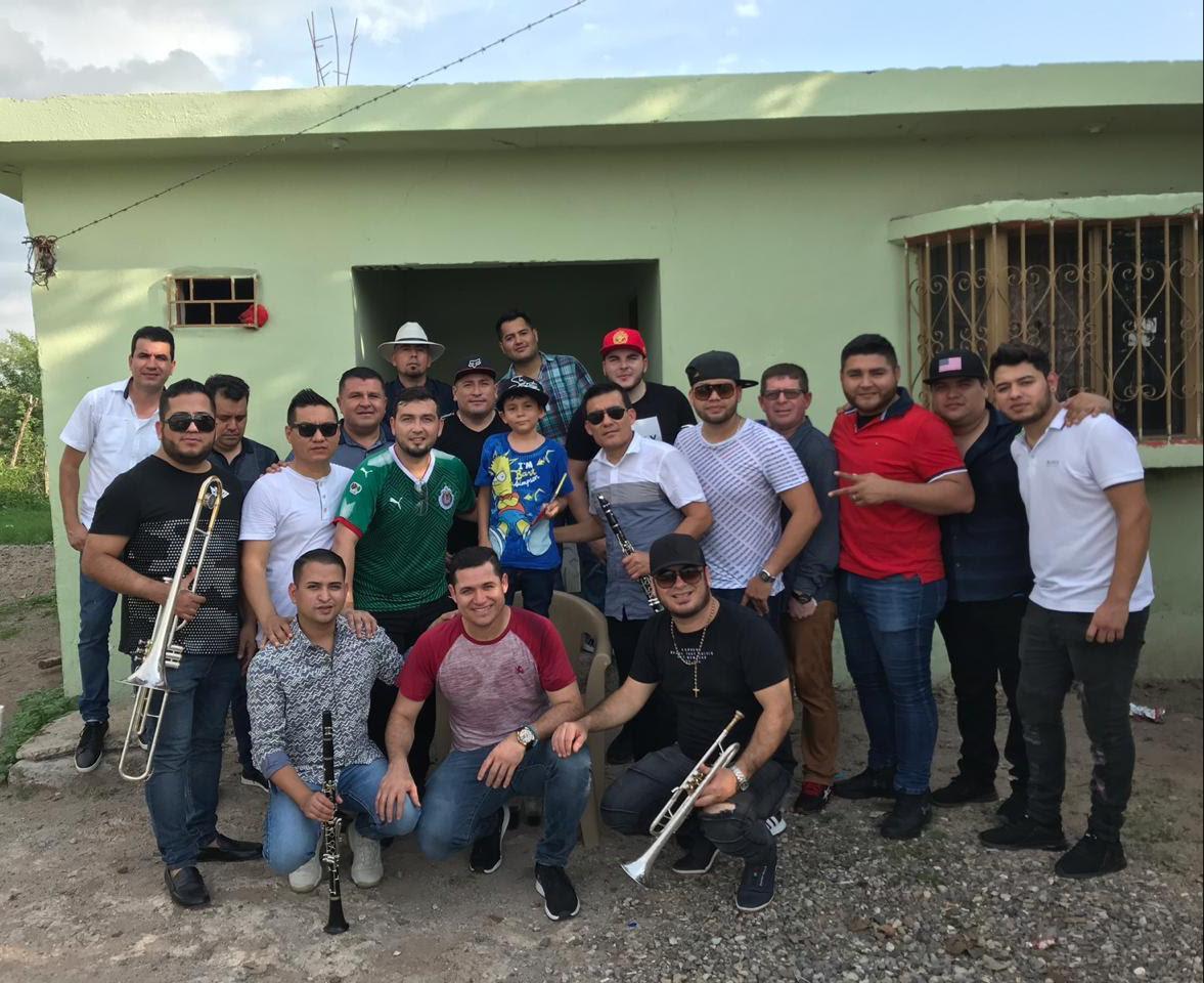 La Séptima Banda sigue triunfando con su música y cumplen el sueño de uno de sus fans
