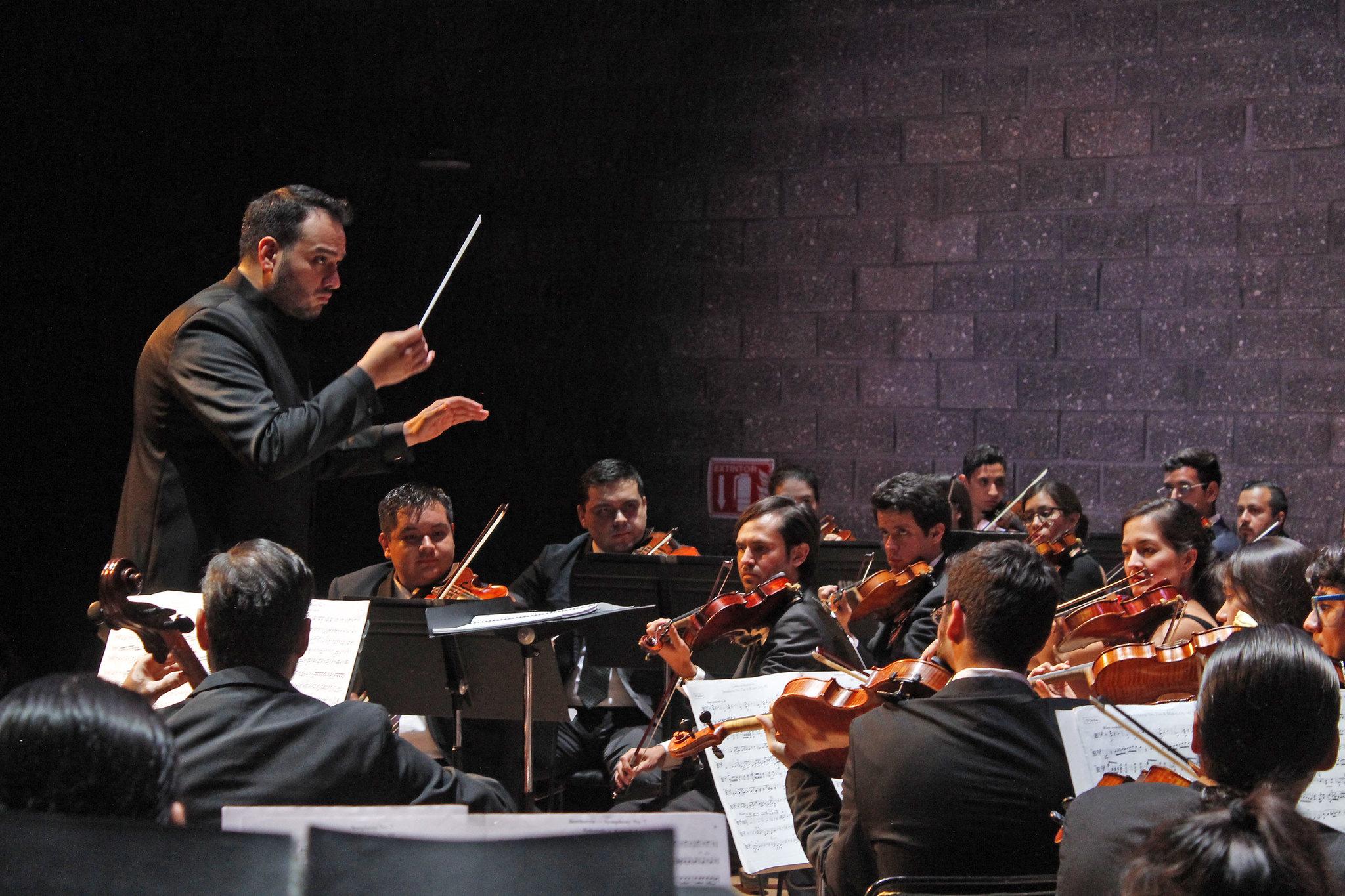 Presenta la Orquesta Sinfónica Juvenil de Zapopan concierto junto a Fernando Saint Martin