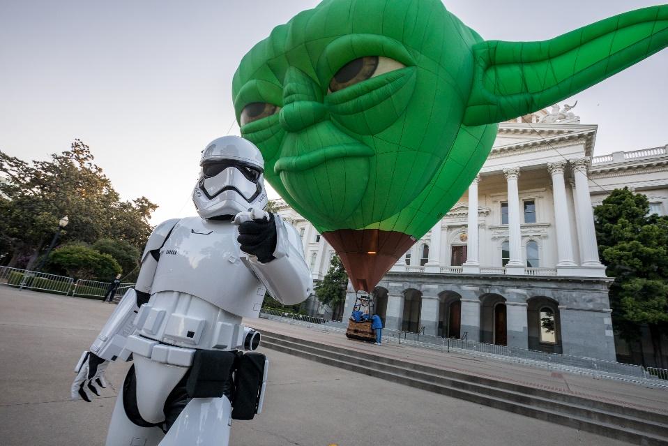 Disneyland Resort celebra la nueva Star Wars: Galaxy's Edge con un globo gigante del Maestro Yoda en el Festival Internacional del Globo en León, México,  del 15 al 18 de noviembre