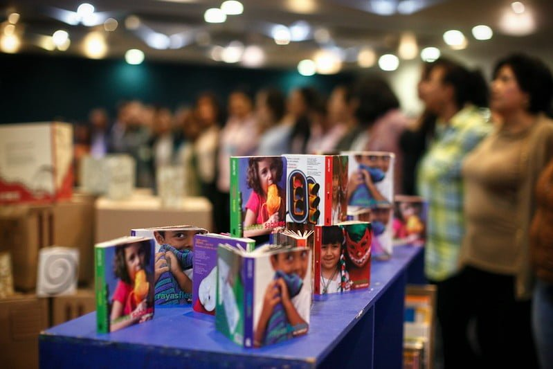 Petra Ediciones dona cerca de 20 mil títulos de literatura infantil a los 125 municipios de Jalisco