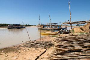 Près du port d'embarquement du Tonle Sap