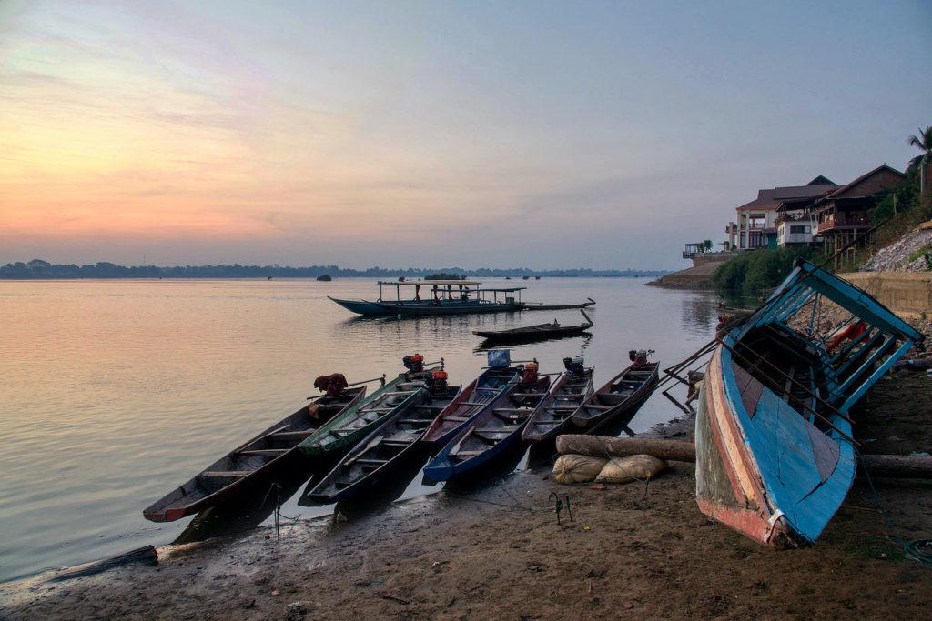 Barques sur le Mékong le matin