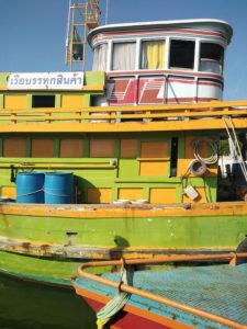 Dans le port de Krabi