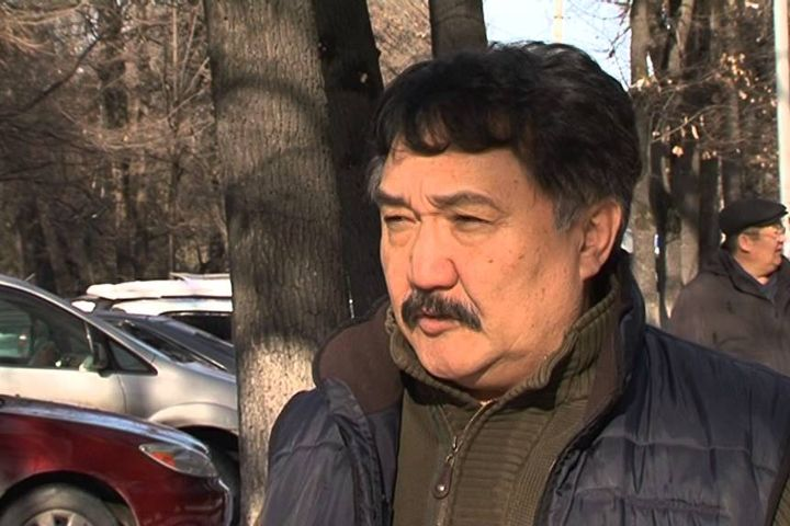 Бакыт Бакетаев, саясий серепчи: Алмазбек Атамбаев мураскер калтыруусу керек!