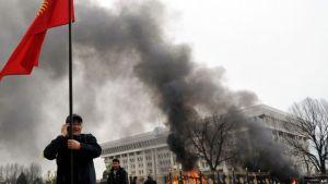 Өмүрбек Текебаев камакта калып, Сапар Исаков 7-апрель эскерүүсүнө катышат деп ким ойлоптур?