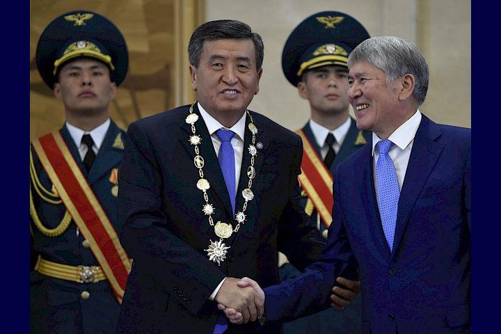 """Сооронбай ЖЭЭНБЕКОВ: """"Атамбаевдин иши Кыргызстандын мыйзамдарынын алкагында чечилүүгө тийиш"""""""