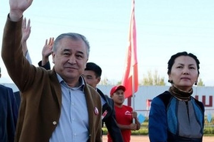 КАТ: «Укуктук талаага алып келүү Өмүрбек Текебаев менен Аида Салянованын гана колунан келет»