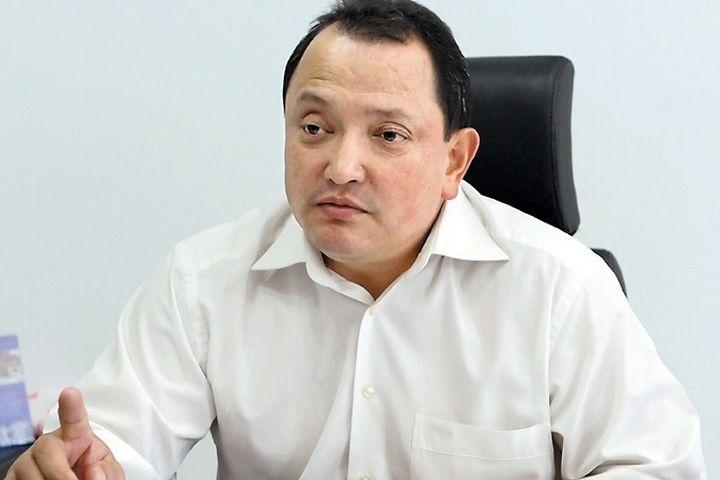 Сабырбек ЖУМАБЕКОВ: «Текебаевге операция жасайлы десек жүрөгүндө маселе бар экен»