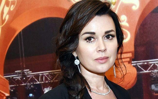 Актриса Анастасия Заворотнюк мээсиндеги шишикти алдырат