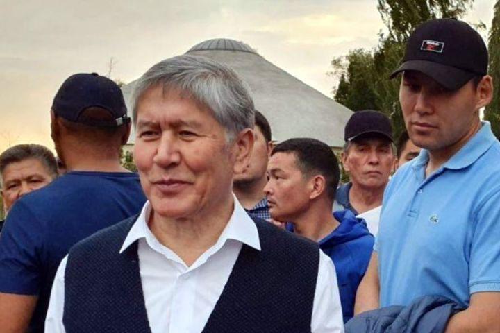 """Алмазбек АТАМБАЕВ: """"Камалгандардын дарегине айтылып жаткан күнөөлөр — ойго келбеген сандырактык"""""""
