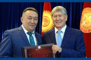 Алмазбек Атамбаевдин абактагы мөөнөтү узартылып, Алга Кылычев үй камагына чыкты