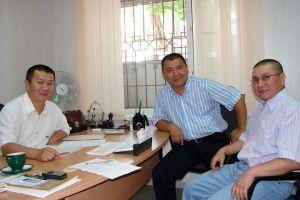 ВИДЕО — Жеңиш Эдигеевдин генийлер жөнүндө жазган эсселери, Эрнистин элеси ыйлатты…