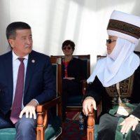 Жээнбеков менен Отунбаеваны экс-президент макамдарынан ажыратуу үчүн кол топтолуп жатат