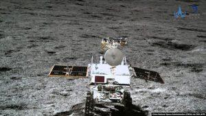 Кытайдын космостук аппараты Айга барып конду. Ал жерден эмне чогултту?