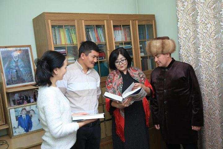 ВИДЕО — ОРОЗОБЕКОВА: «Кыргыз элинин тарыхын бурмалаган Жусуп Мамайдын вариантын жайылтууга болбойт!»