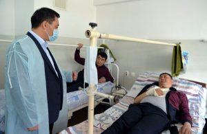 Президент Баткендеги окуялардан жабыр тарткандардан кабар алды