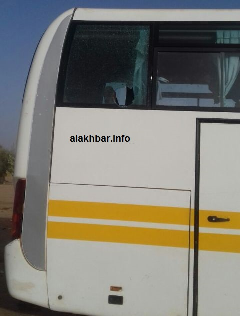صورة من الباص التابع لشركة سونف حيث آثار الرصاص(خاص الأخبار)