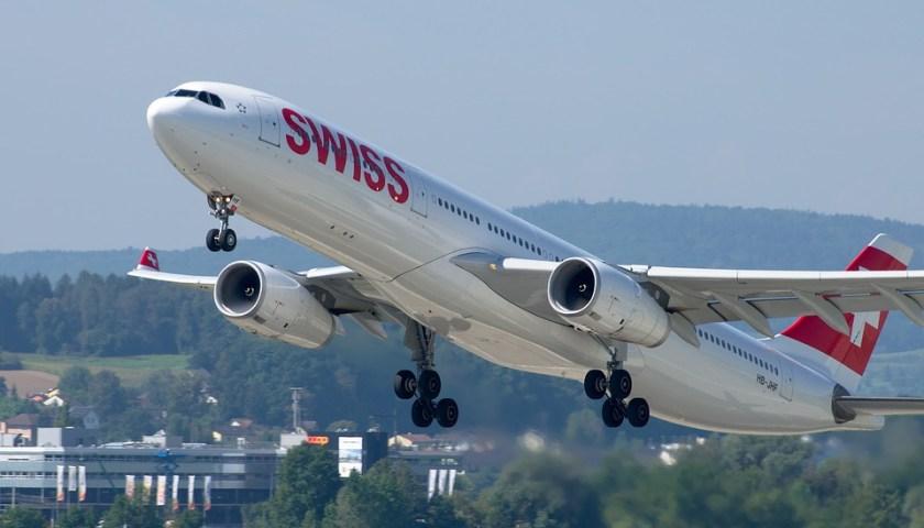 الطائرات غالباًًً تطلى بالأبيض