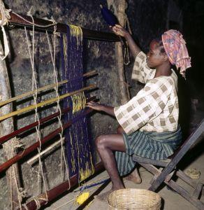 asooke female weaver