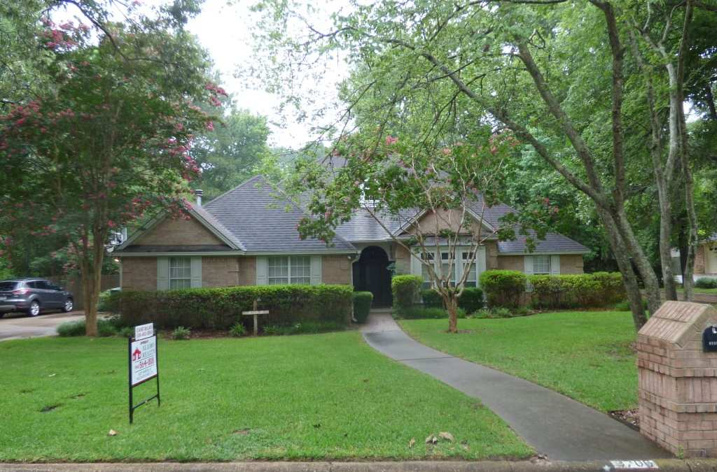 3706 CHEVY CHASE – $218,500 – MLS#2180640