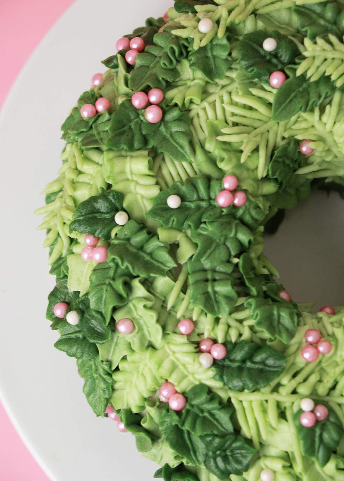 Holiday Wreath Cake