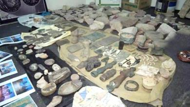 Photo of صحيفة لندنية تكشف : الحوثيون يهربون آثار اليمن ومخطوطاته النادرة إلى ايران
