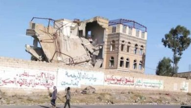 Photo of تقرير حقوقي : مليشات الحوثي فجرت 810 منزل في 17 محافظة يمنية