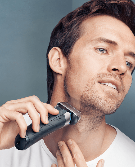 Braun Series 8 8390cc Wet & Dry Men's Electric Shaver with Clean & Charge Station and Travel Case - Silver