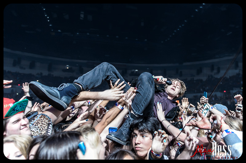 Cage The Elephant / 2013